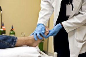 Консультация врача при переломе стопы