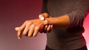 Перелом руки в лучезапястном суставе
