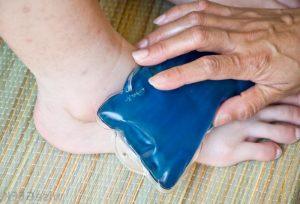 Первая доврачебная помощь при переломе стопы