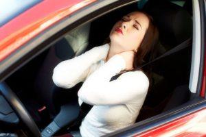 Сильные боли и потеря сознания - основные симптомы перелома шеи