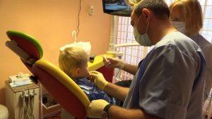 Диагностики и обследование зуба стоматологом-хирургом