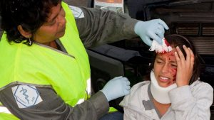 Иммобилизация пострадавшего при переломе основания черепа