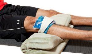 Компресс со льдом на колено что бы уменьшить боль