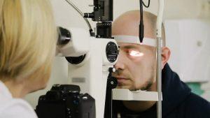Обращение к офтальмологу при травме в области глаз