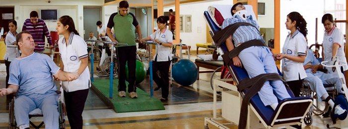 Восстановлению после травмы позвоночника проходит в медицинских центрах реабилитации