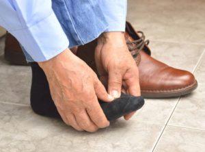 Тесная обувь способствуют быстрому обморожению пальцев