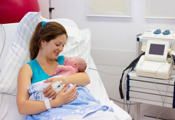 Истечения сразу после появления ребенка считаются нормальным явлением