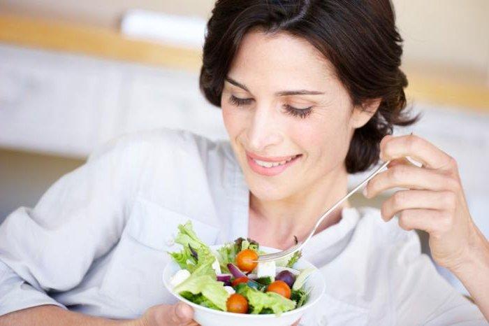 Избежать опасных патологий при цистите помогут свежие овощи и зелень