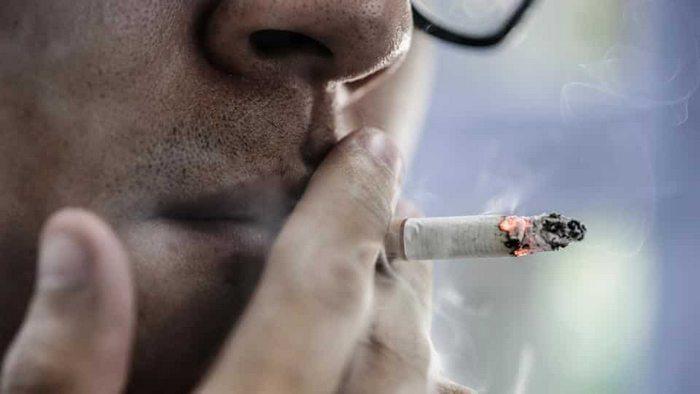 Никотин вместе с другими токсичными веществами из сигарет проникает в кровь через слизистые оболочки