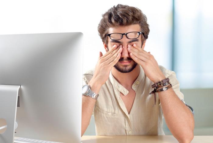 При частом времяпрепровождении за монитором компьютера проблемы со зрением гарантированы